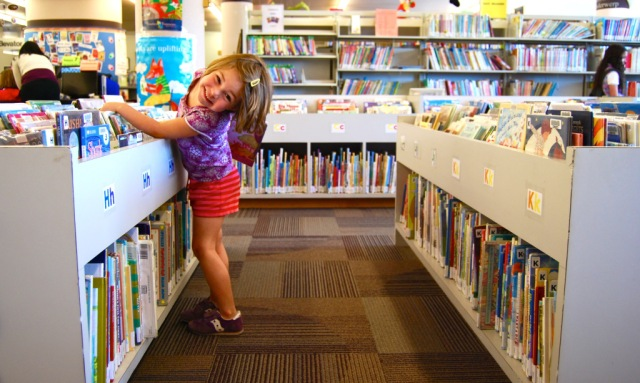 5 Tips for Encouraging Kids to Read This Summer